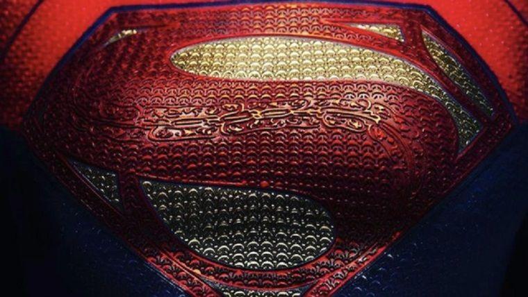 The Flash filminden Supergirl görüntüleri geldi