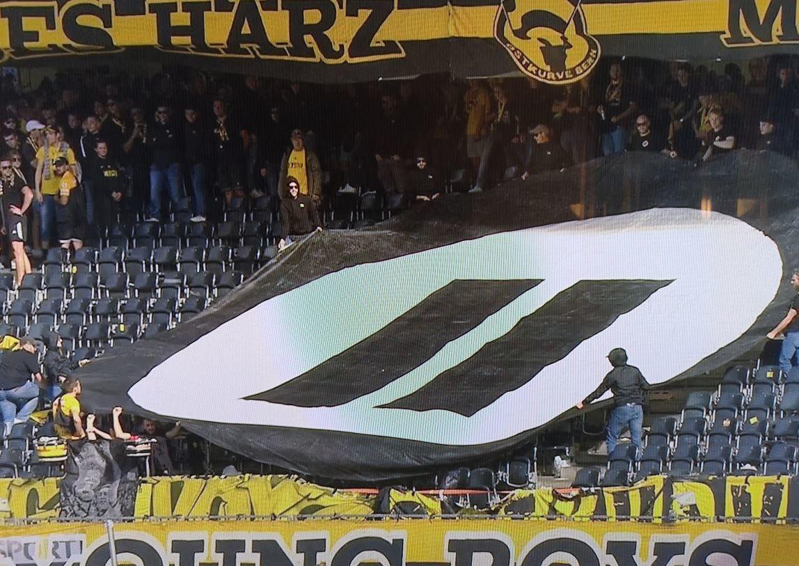 Futbol müsabakası eSpor karşıtı protestolara sahne oldu