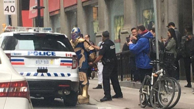 Çılgın Titan Thanos, polis tarafından yaka paça tutuklandı