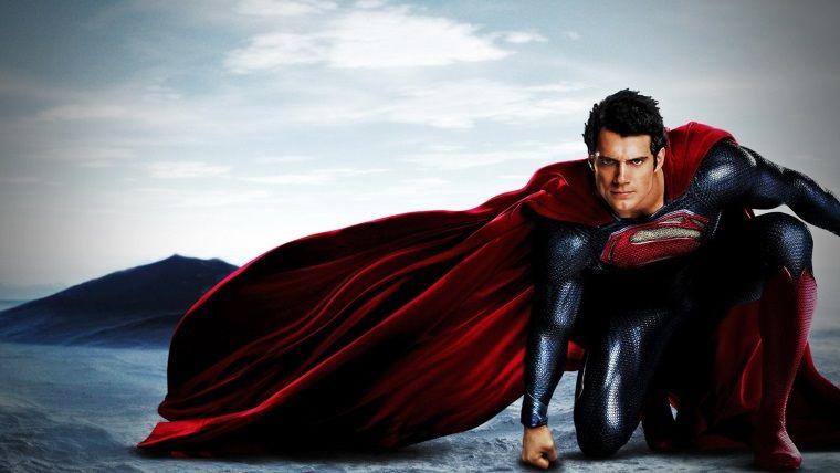 Warner Bros, Henry Cavill'ın Superman rolü hakkında konuştu