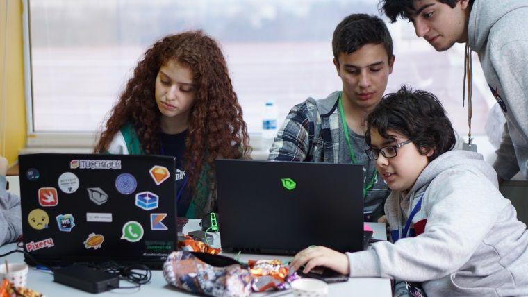 Geleceğin Girişimcileri Hayallerindeki E-Spor Oyununu Tasarladı