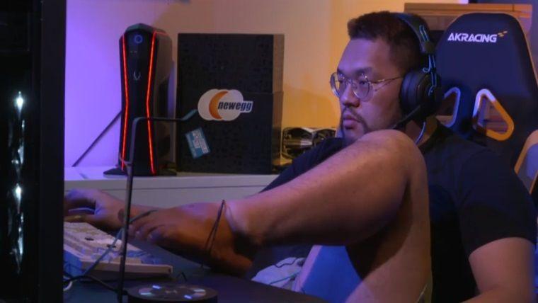 StarCraft'ı ayağıyla oynayarak turnuvayı kazandı