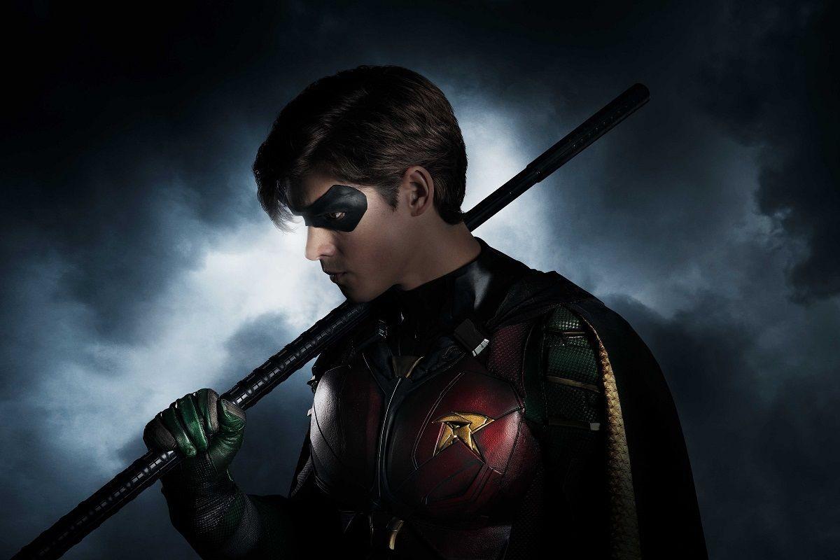 Titans dizisinden Robin'in ilk görüntüsü geldi