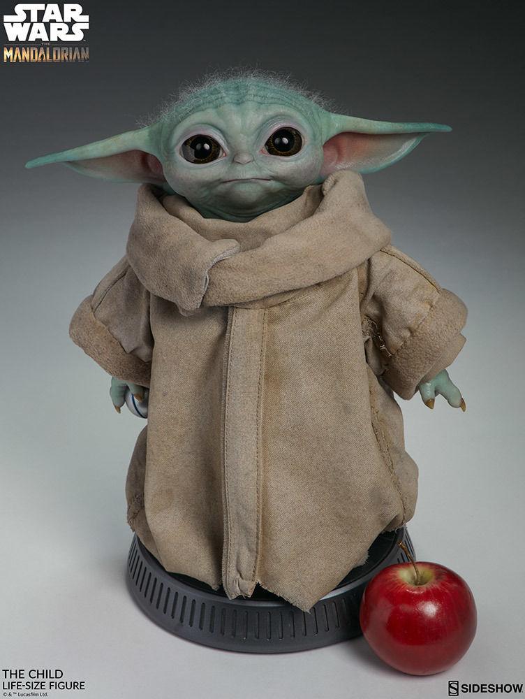 Gerçek boyutunda Baby Yoda figürü satışa çıkıyor