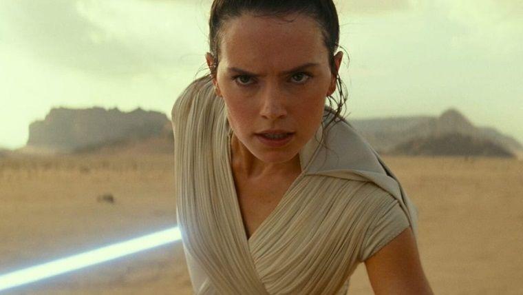 Daisy Ridley, Rey karakterinin Kenobi soyundan geleceğini açıkladı