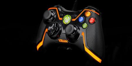 Tron'a özel Xbox 360 game pad'i
