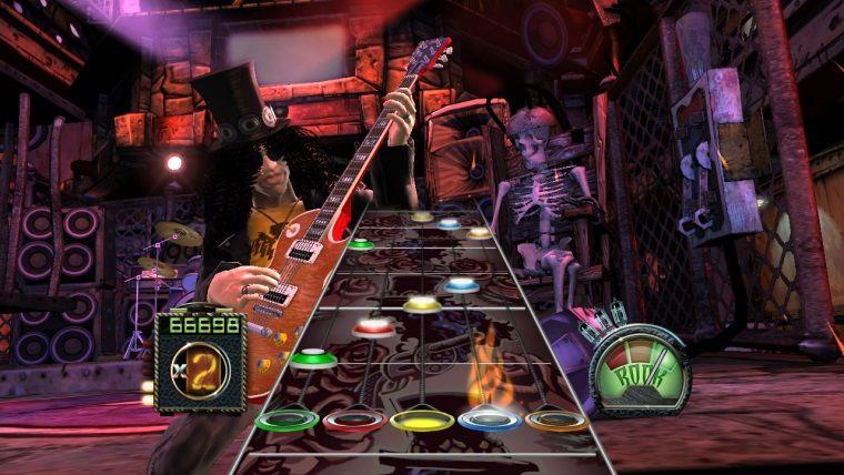 Guitar Hero oyuncusunun aldığı istek şarkılar ona bela oluyor