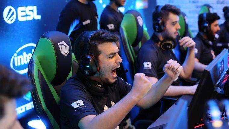 Intel ESL Türkiye Şampiyona finalleri Monster Notebook'larla oynandı