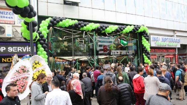Monster Notebook Yeni Mağazasını Kadıköy'de Açtı