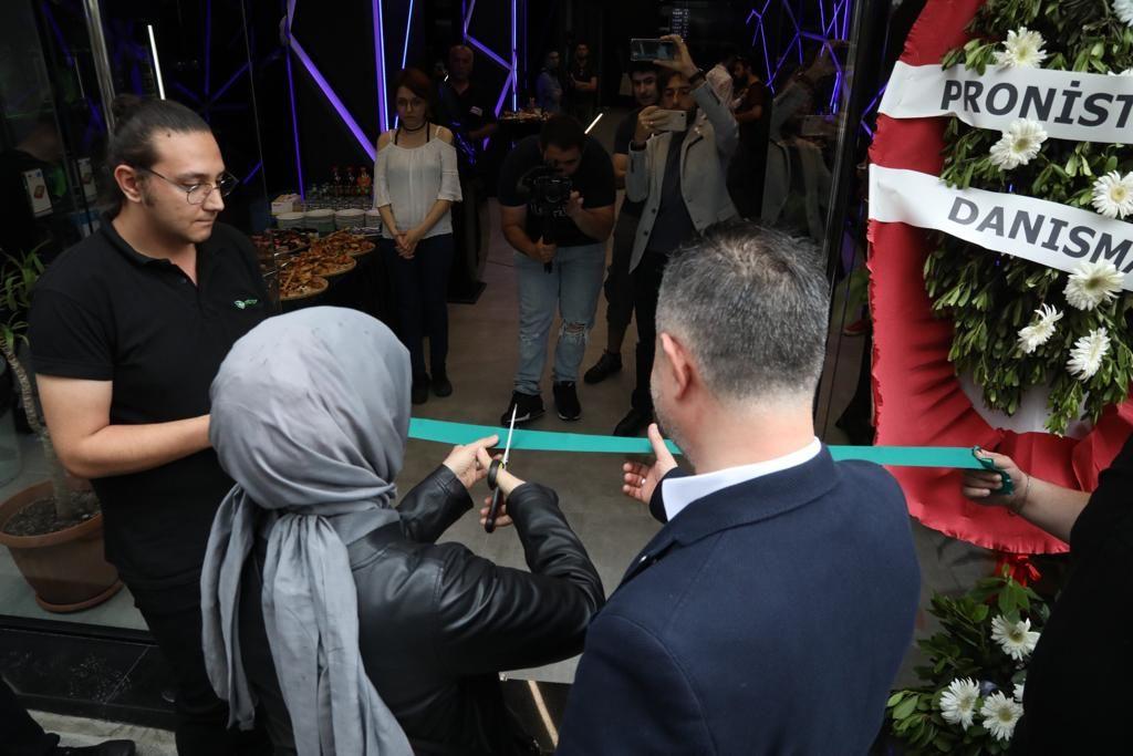 Monster Notebook'un teknik merkezi Kadıköy'de açıldı