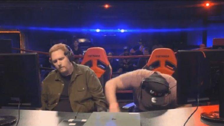 Turnuvada yenilince rakibinin kontrolcüsünü yere fırlattı