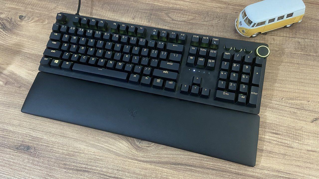 Razer Huntsman V2 oyuncu klavyesi inceleme