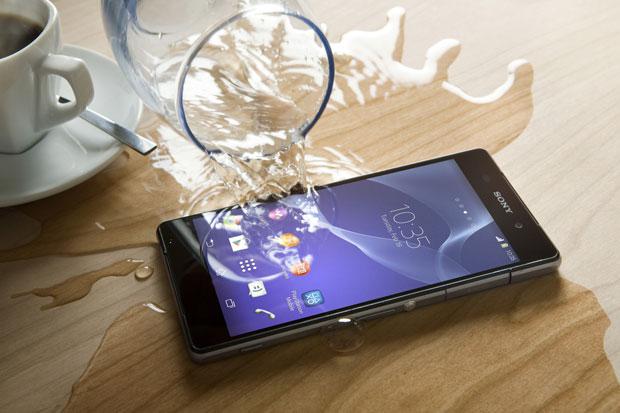 Sony Xperia Z2'ye PlayStation 4 uzaktan oynama özelliği geldi