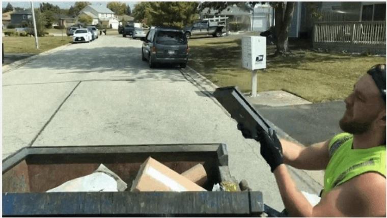 Çöpün içinden, çalışan PlayStation 4 çıktı!