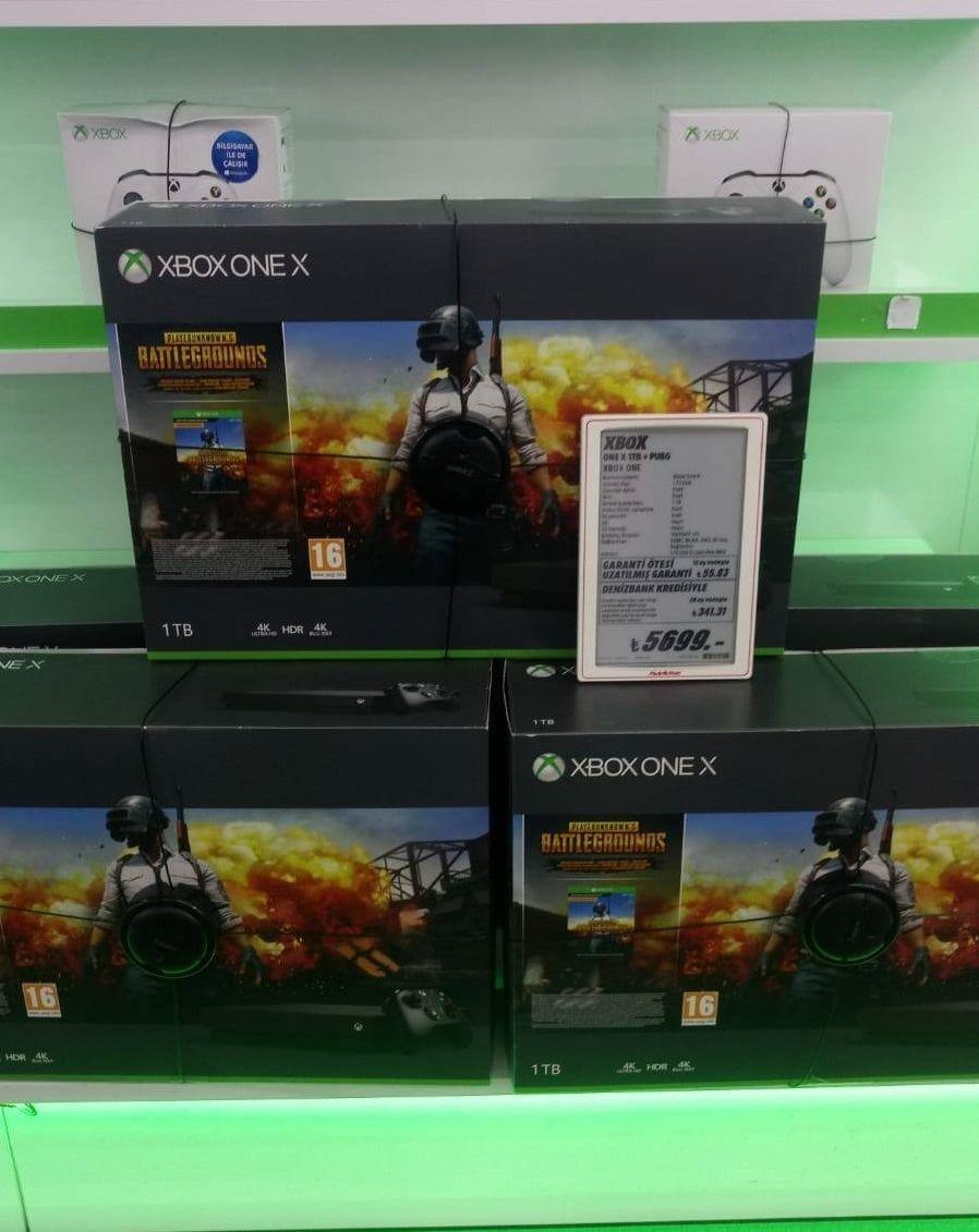 Xbox One X'in Türkiye fiyatı ile öküz alınabilir