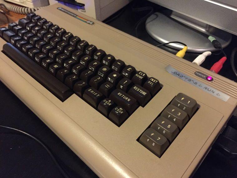 Elinize sığan Commodore 64 olur mu?