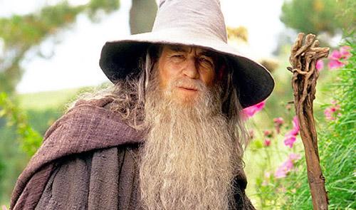 HOBBİT: BEKLENMEDİK YOLCULUK; Gandalf konuşuyor