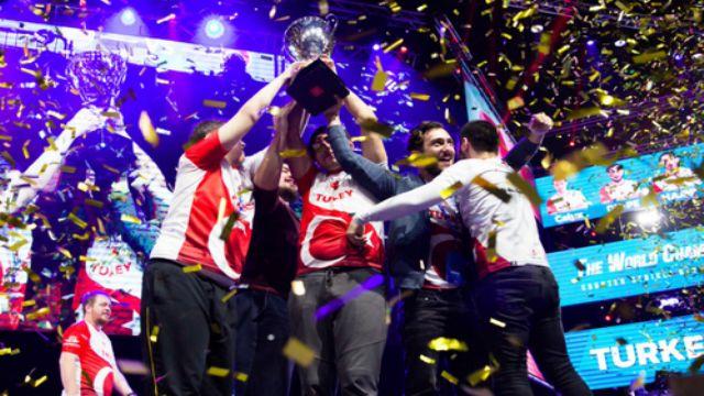 Şampiyon olduğumuz CS:GO maçındaki spikerlere tepki büyüyor