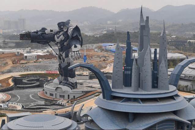 Çin'de açılan dev VR tema parkı görenleri hayrete düşürüyor