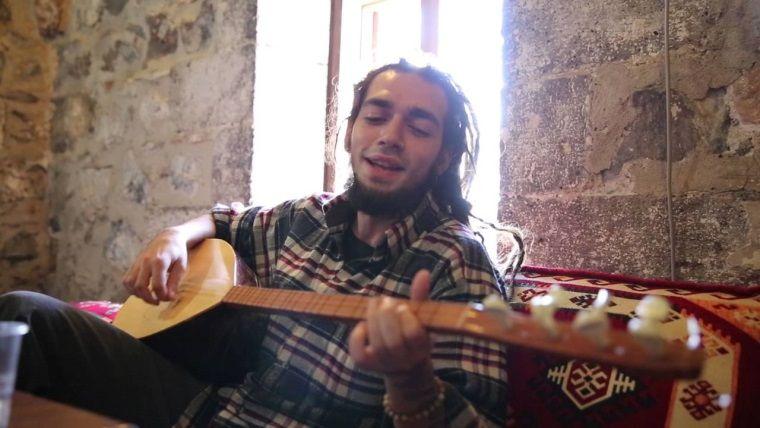 Ünlü rap sanatçısı Ezhel için istenen hapis cezası belli oldu