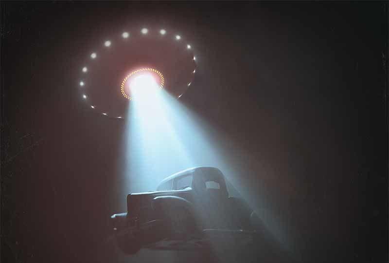 Zaman yolcusuna göre uzaylılar savaş için Dünya'ya gelecek