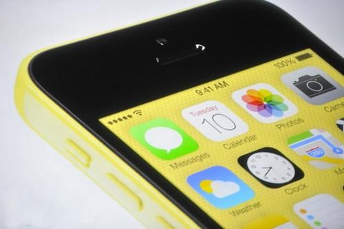 iPhone 5c ile tanışın