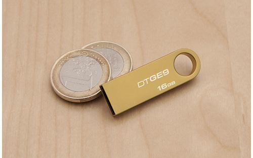 Damadın amcasından geline, 24 ayar Kingston USB Flash Bellek!