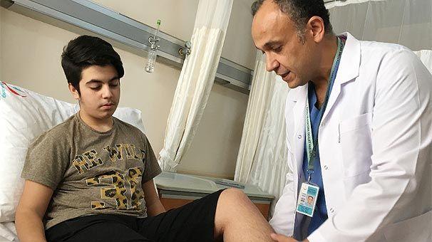 Uzun süre konsolun başında oturan Türk oyuncu hastanelik oldu