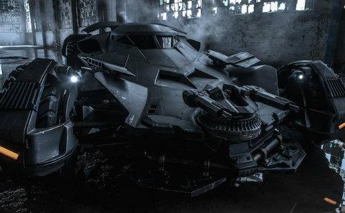 Yeni Batmobile görücüye çıktı