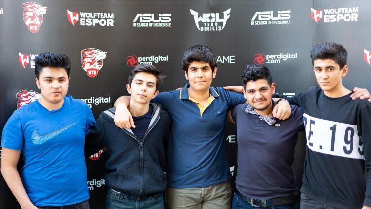 Wolfcity Adana Turnuvası'nda şampiyon ReturnAgain takımı oldu