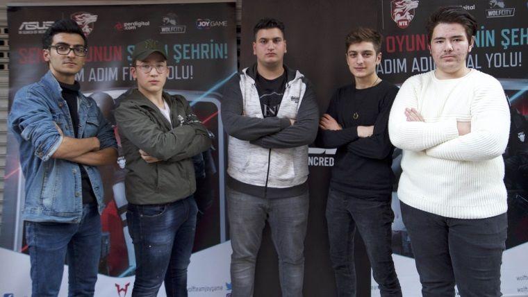 Wolfcity İzmir Turnuvası'nda şampiyon TeamBOss takımı oldu
