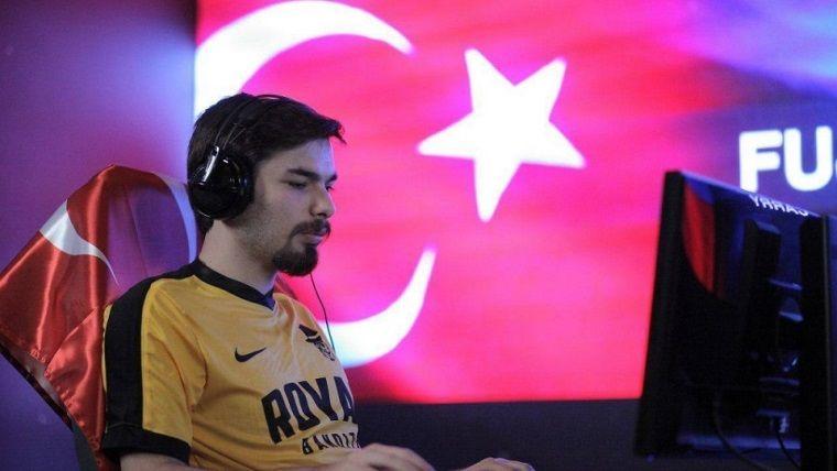 Türk oyuncu Hearthstone'da Dünya Şampiyonu olmayı başardı