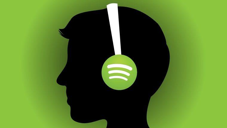 Spotify'da kendi yüklediği şarkıları dinleyip milyoner hale geldi